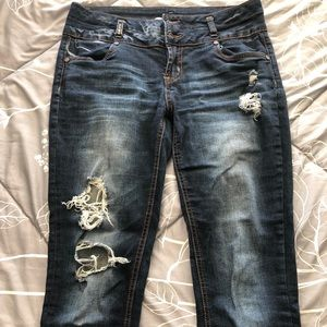 High Waisted Refuge ripped jeans!!